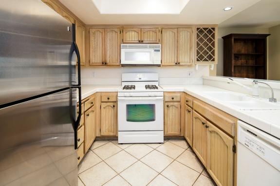 7620 Hollister Ave #221, Goleta, CA